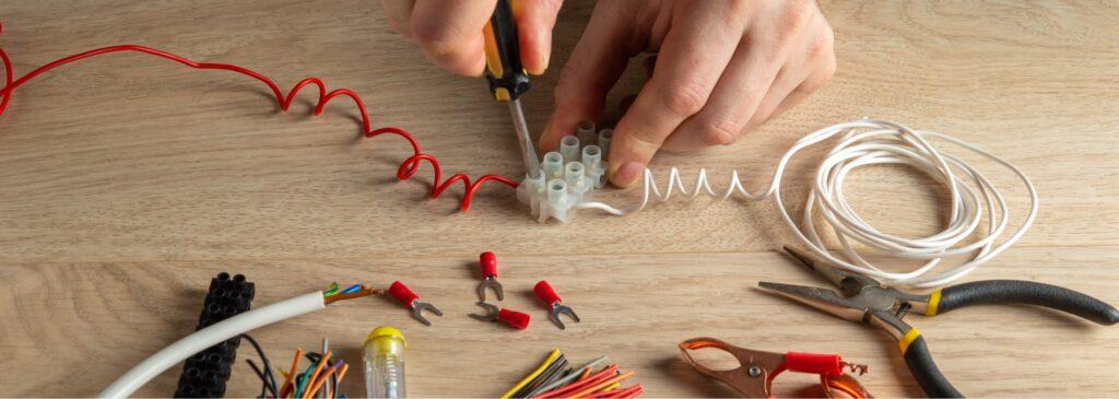 Обучение профессии электромонтер